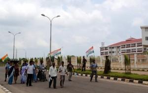 Congress picketers marching near secretariat building.
