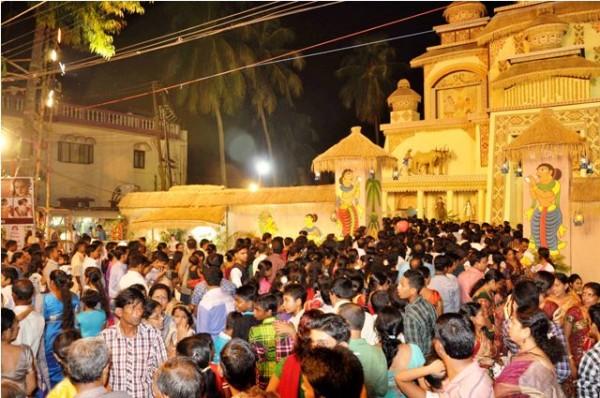 Saptami Night of Desh Bandhu Chittaranjan Club at Agartala.