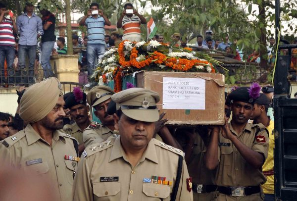matry-indian-bsf-jawan-shambhu-satmuras-body-at-agartala-15