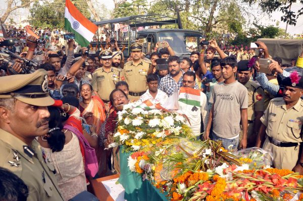 matry-indian-bsf-jawan-shambhu-satmuras-body-at-agartala-24