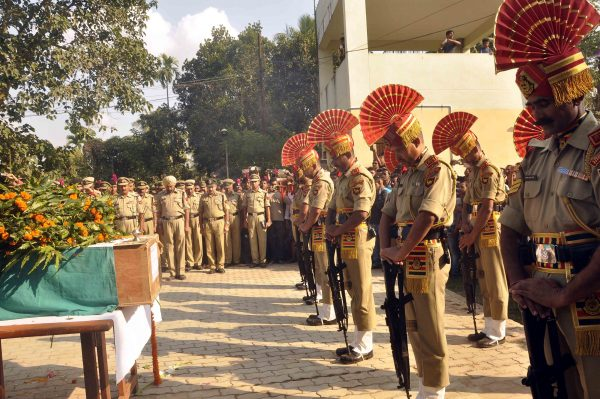matry-indian-bsf-jawan-shambhu-satmuras-body-at-agartala-64