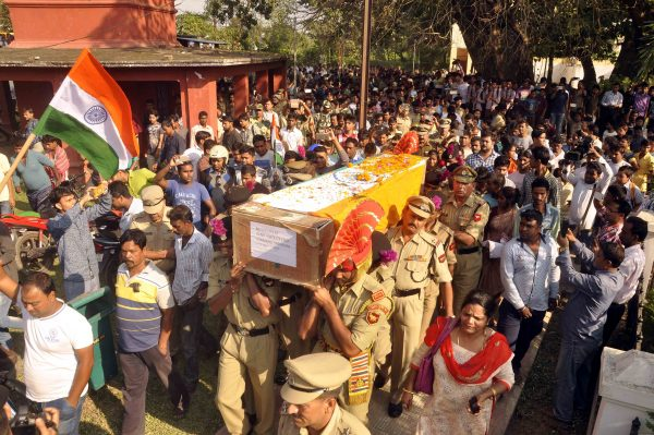 matry-indian-bsf-jawan-shambhu-satmuras-body-at-agartala-84