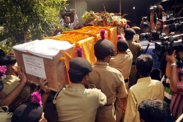 matry-indian-bsf-jawan-shambhu-satmuras-body-at-agartala-9
